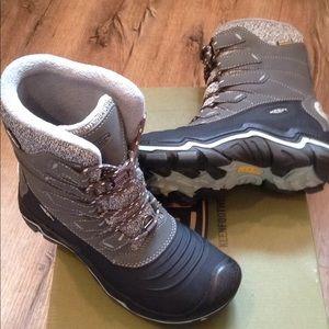 Women new 7 keen winter snow boots 7 shoes 6.5